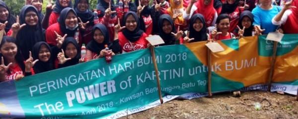 """kegiatan """"The POWER of Kartini untuk Bumi"""", Minggu 22 April 2018."""