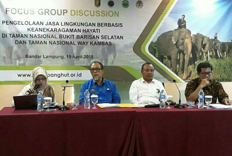 Focus Group Discussion (FGD) Pengelolaan Jasa Lingkungan Berbasis Keanekaragaman Hayati di Taman Nasional Bukit Barisan Selatan dan Taman Nasional Way Kambas, Kamis 19 April 2018 di Swissbell Hotel Bandar Lampung.