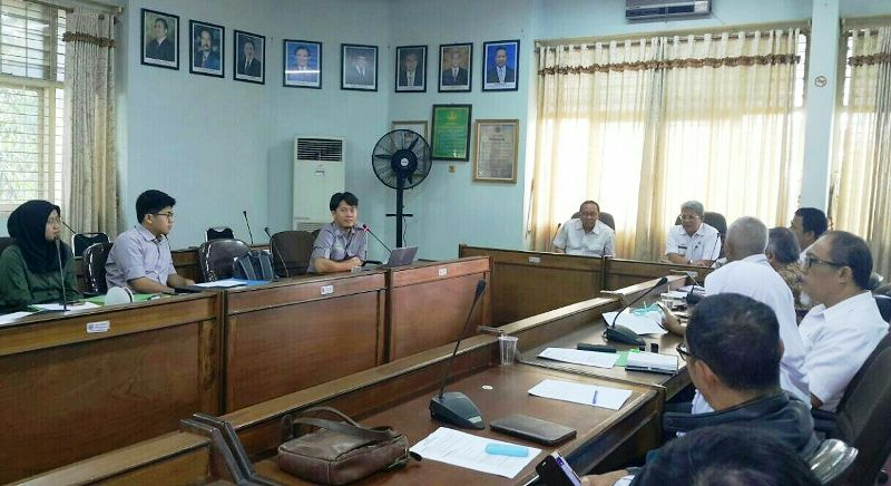 Tim Verifikasi Direktorat Penyiapan Kawasan Perhutanan Sosial Kementerian Lingkungan Hidup dan Kehutanan.