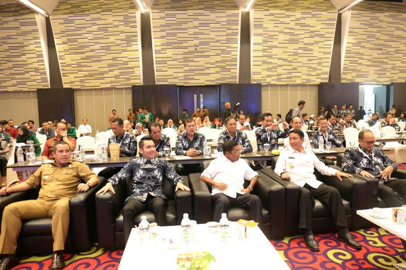 Rapat Pimpinan Wilayah (Rapimwil) Barat Kamar Dagang dan Industri (Kadin) Indonesia, Senin 14 Mei 2018 di Novotel Bandar Lampung.