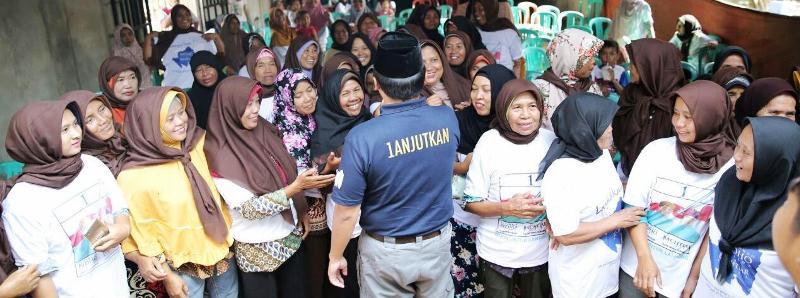 Calon Gubernur Lampung nomor urut satu Muhammad Ridho Ficardo di Desa Rantau Fajar.