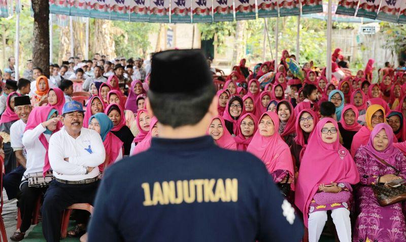 Calon Gubernur Lampung Muhammad Ridho Ficardo saat berkunjung di Desa Jati Baru, Kecamatan Tanjung Bintang, Jumat 5 Mei 2018.