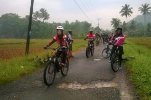 1.031 goweser dari lebih kurang 100 club sepeda dari penjuru Lampung ramaikan event Gowes Bareng Goweser Lampung (GBGL) #1, Minggu 06 Mei 2018.