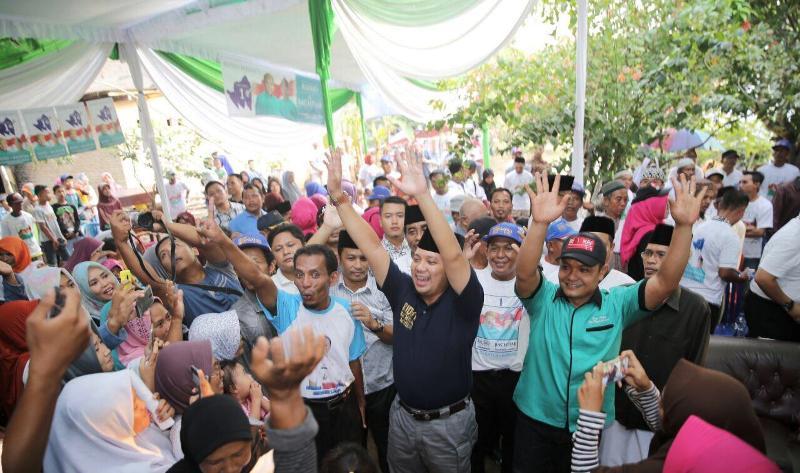 Muhammad Ridho Ficardo bersama warga Desa Kota Gajah Timur IV, Kecamatan Kota Gajah, Kabupaten Lampung Tengah,