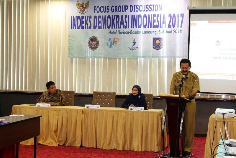 Focus Group Discussion (FGD) Penyusunan Indeks Demokrasi Indonesia Provinsi Lampung Tahun 2017 di Hotel Horison Bandar Lampung, Selasa pagi 5 Juli 2018.