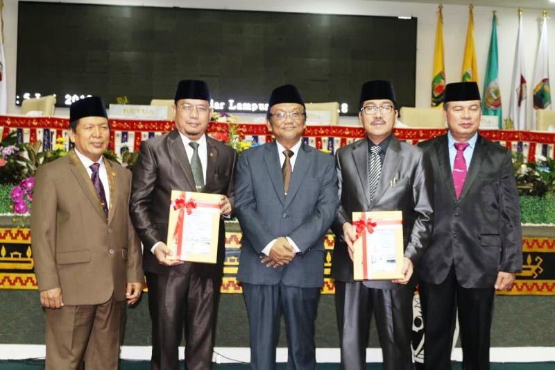 Rapat Paripurna Istimewa di Ruang Sidang DPRD Provinsi Lampung, Selasa (5/6/2018).