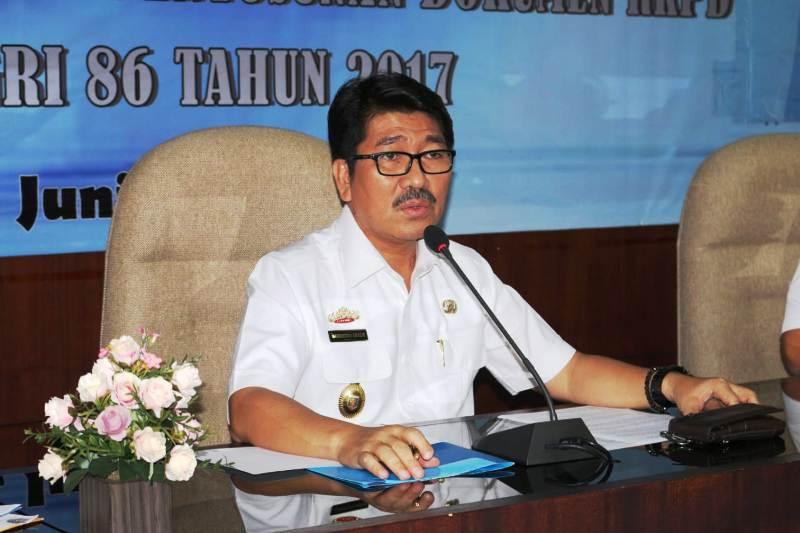 . Sekretaris Daerah Provinsi Lampung Hamartoni Ahadis.
