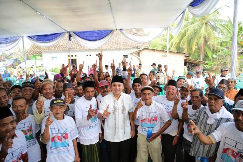Muhammad Ridho Ficardo bersama Dusun Sidosari, Desa Sidomulyo, Lampung Selatan.