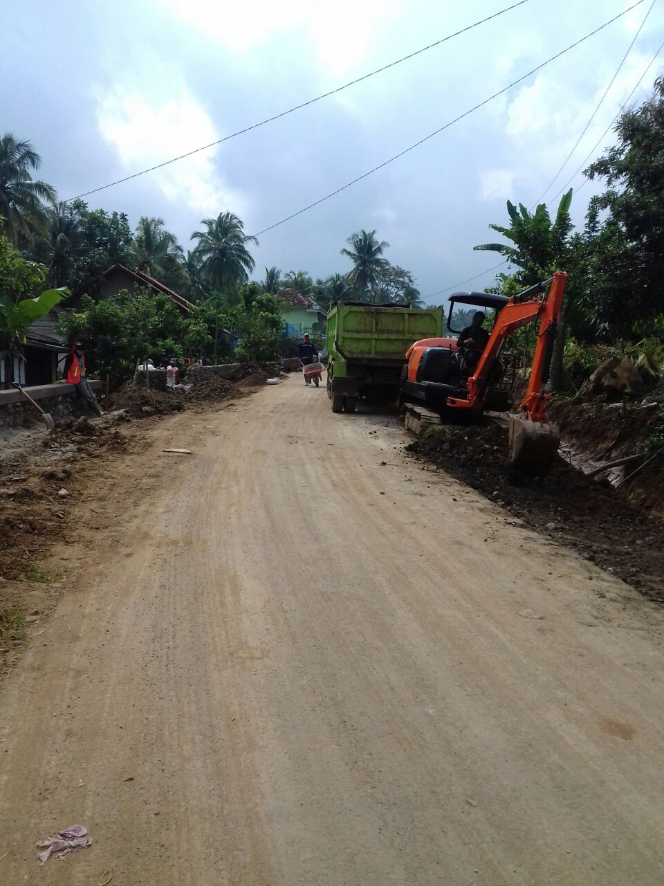 Ruas jalan Padang Cermin - Kedondong Pesawaran.