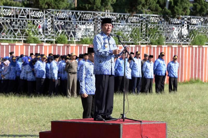 Pjs. Gubernur Lampung Didik Suprayitno menyampaikan pesan Presiden Joko Widodo terkait  Peringatan Hari Lahir Pancasila ke-73 tahun 2018 di Lapangan korpri, Kantor Gubernur Lampung, pada Jumat 1 Juni 2018.