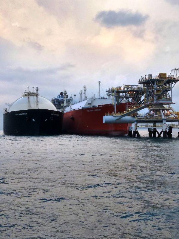 PT Perusahaan Gas Negara Tbk (PGN) menjalin kerja sama pemanfaatan Floating Storage and Regasification (FSRU) gas alam cair (LNG) Lampung dengan PT PLN (Persero).