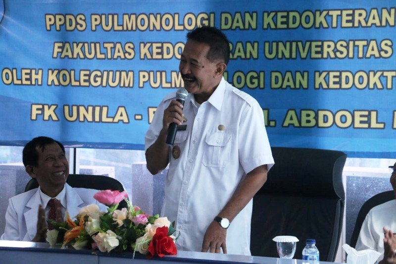 Asisten Pemerintahan dan Kesra Hery Suliyanto saat membuka Acara Visitasi dalam rangka Pendirian PPDS Pulmonologi dan Kedokteran Respirasi Fakultas Kedokteran Universitas Lampung.