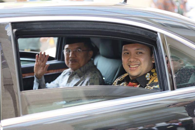 Gubernur Lampung Muhammad Ridho Ficardo dan Wapres Jusuf Kalla.