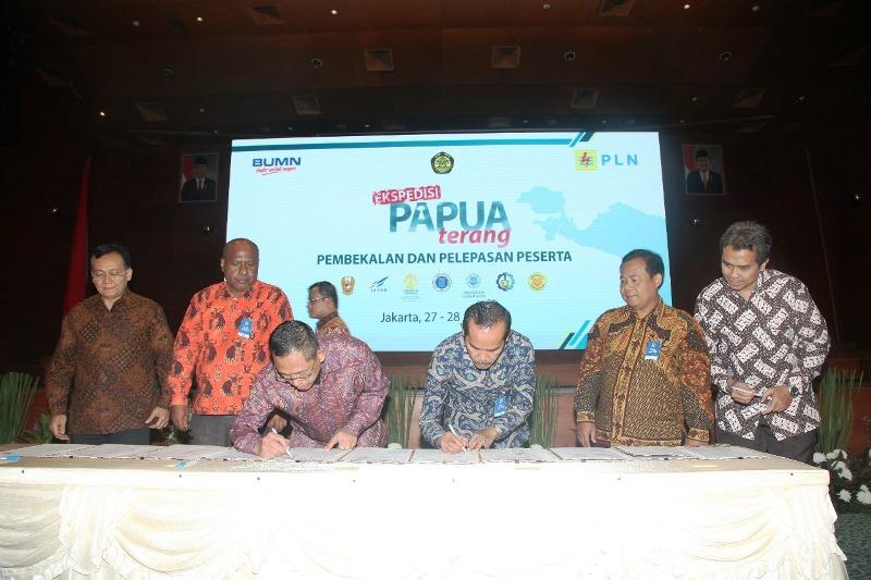 Pembekalan dan pelepasan peserta Ekspedisi Papua Terang di Jakarta, Jumat 27 Juli 2018.