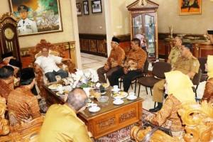 Persatuan Wredatama Republik Indonesia (PWRI) Pengda Lampung saat audiesni di rumah dinas Wakil Gubernur Bachtiar Basri, Senin (13/8) siang.