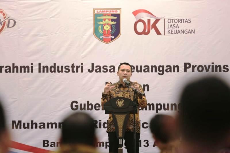 Gubernur Lampung, Muhammad Ridho Ficardo, dalam silaturahmi Industri Jasa Keuangan Provinsi Lampung di Mahan Agung, Bandarlampung, Senin (13/8/2018) malam.