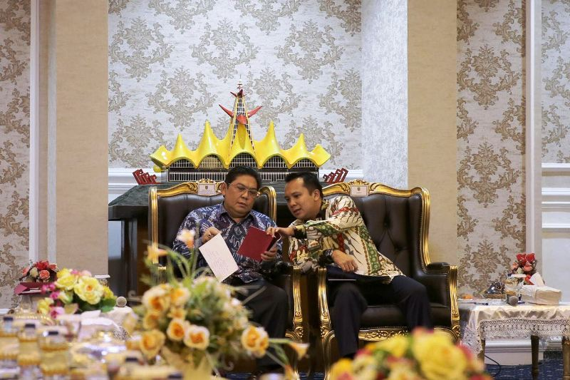 Gubernur Muhammad Ridho Ficardo dan Wakil Ketua DPR RI Koordiator BAKN, BURT dan Hubungan Antar Lembaga Utut Adianto.