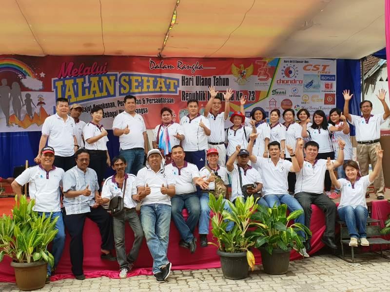 Formasi penuh panitia jalan sehat di Gereja Maria Ratu Damai Teluk Betung Bandar Lampung, Minggu 26 Agustus 2018.