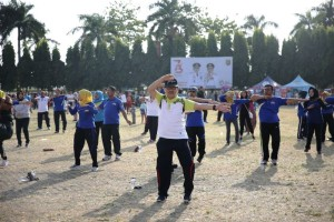 Ratusan ASN Pemerintah Provinsi Lampung ikuti senam poco poco bersama dalam rangka.