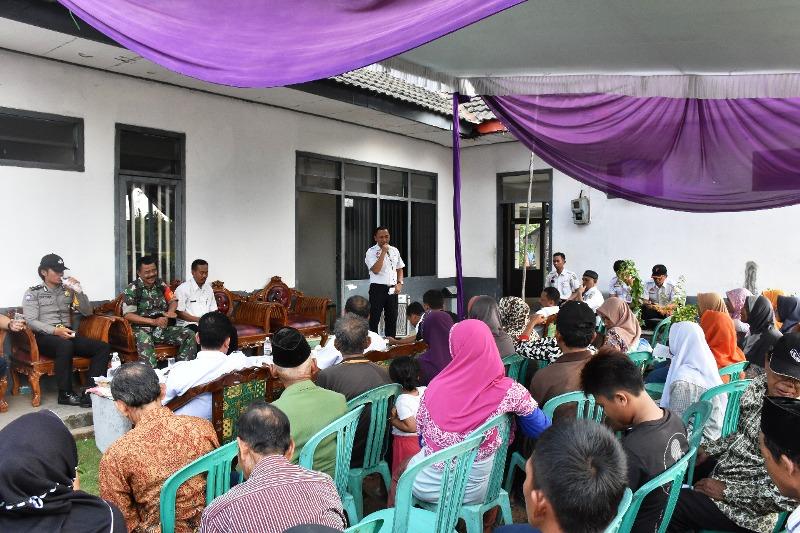 sosialisasi tentang pengelolaan aset PT KAI Divre IV Tanjungkarang, kelurahan Rengas, Kec. Bekri, Kabupaten Lampung Tengah, Bandar Lampung, Rabu (15/8/2018).