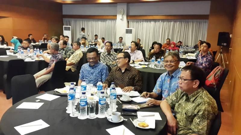 Kepala Dinas Sosial Provinsi Lampung Sumarju Saeni pada saat mengikuti acara Pertemuan Pusat Daerah Dalam Rangka Asistensi dan Supervisi Penerapan SPM Bidang Sosial ke dalam Dukungan Perencanaan Daerah (6/08/2018) di Provinsi Yogyakarta.