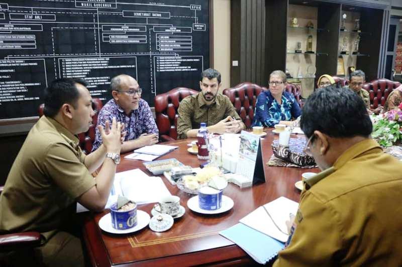 Gubernur Lampung Muhammad Ridho Ficardo menerima audiensi Komite Pengelolaan Perikanan Rajungan Berkelanjutan (KPPRB) Pesisir Timur Provinsi Lampung.