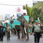 Ribuan Masyarakat Padati Jalan Saksikan Parade Budaya Lampung Culture and Carnival 2018