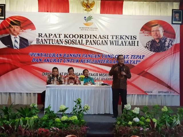 Kepala Dinas Sosial Provinsi Lampung, Sumarju Saeni saat menyampaikan testimoni pada Rakor Bansos Pangan Rastra/BPNT 12-15 September 2018 di Bogor, Jawa Barat.