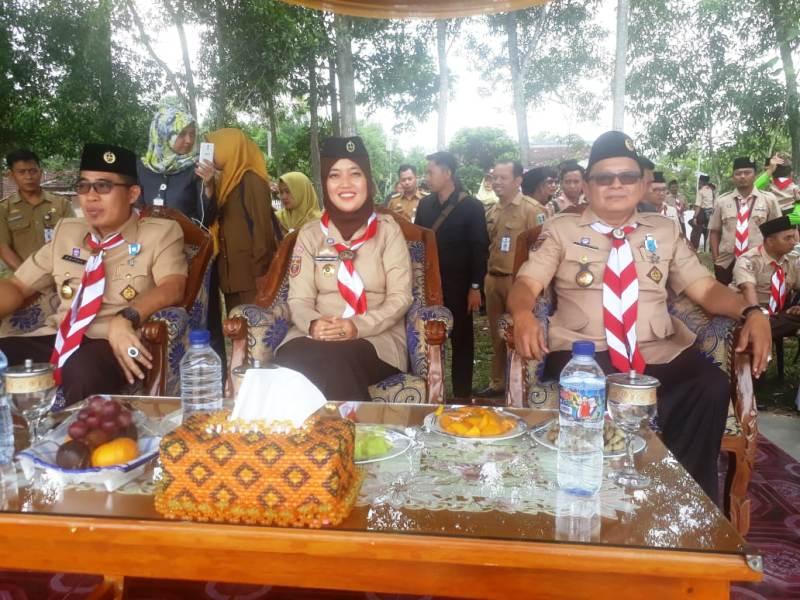 Dari kir, Wakil Bupati Zaiful Bukhori, Bupati Lampung Timur, Chusnunia Chalim dan  Waka VII bidang Abdimasgana Sumarju Saeni.