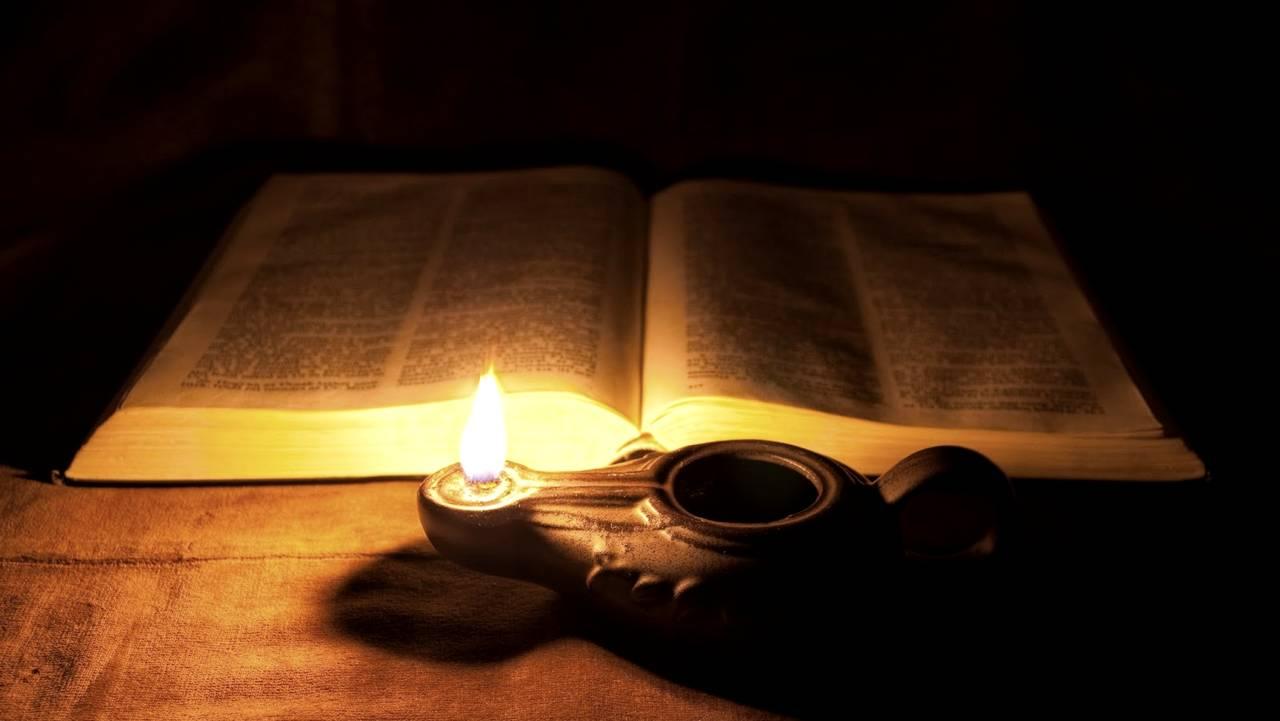 Ilustrasi pelita. (Foto : katolisitas.org)