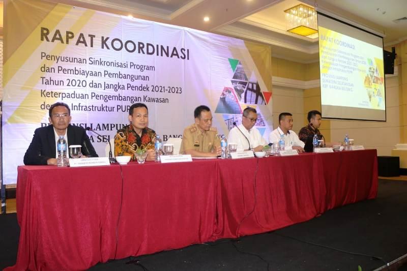 Rapat Koordinasi Penyusunan Sinkronisasi Program dan Pembiayaan Pembangunan Jangka Pendek 2021-2023 untuk Pulau Sumatera yakni Lampung, Sumatera Selatan, Kepulauan Bangka Belitung, Bengkulu dan Jambi, di Hotel SwissBell Bandar Lampung, Senin (8/10/18).