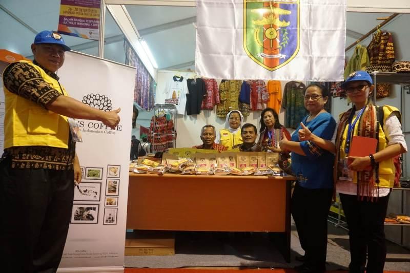Stan Provinsi Lampung, satu dari 110 lainnya, turut memberi warna pada Maluku Expo Pesta Paduan Suara Gerejani (Pesparani) Nasional di Kota Ambon. Foto : RD Roy