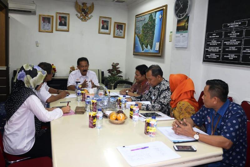 Rapat koordinasi Jaminan Kesehatan Nasional-Kartu Indonesia Sehat (JKN-KIS) di Ruang Rapat Asisten Bidang Pemerintahan dan Kesra, Kantor Gubernur Provinsi Lampung Rabu (10/10/2018).