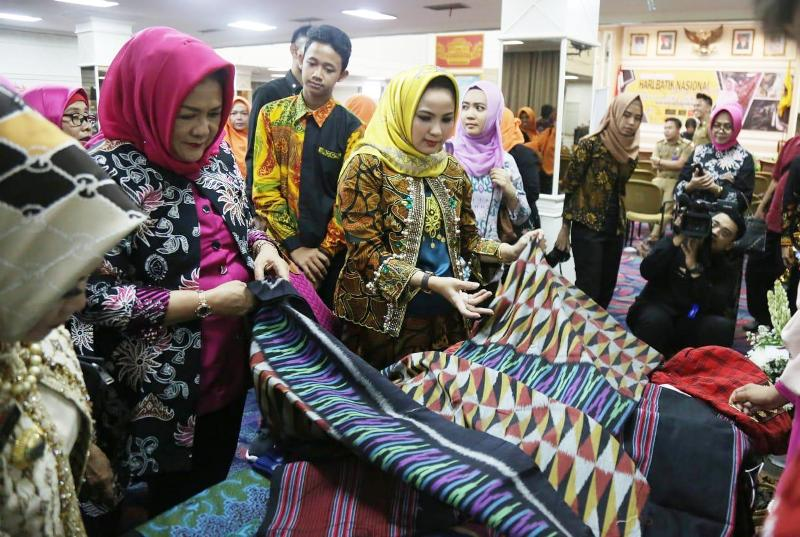 Ketua Dewan Kerajinan Nasional Daerah (Dekranasda) Provinsi Lampung, Aprilani Yustin Ridho Ficardo.