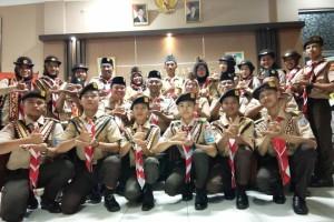 Minggu malam (18/11) Wakil Ketua  Bidang Bina Muda  kak Catur Agus Dewanto mewakili Ketua Kwarda Lampung melepas 12 Pramuka anggota Saka Widya Budaya Bakti.