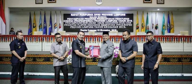 Gubernur Ridho Serahkan Rancangan KUA dan PPAS RAPBD 2019 ke DPRD Provinsi Lampung.