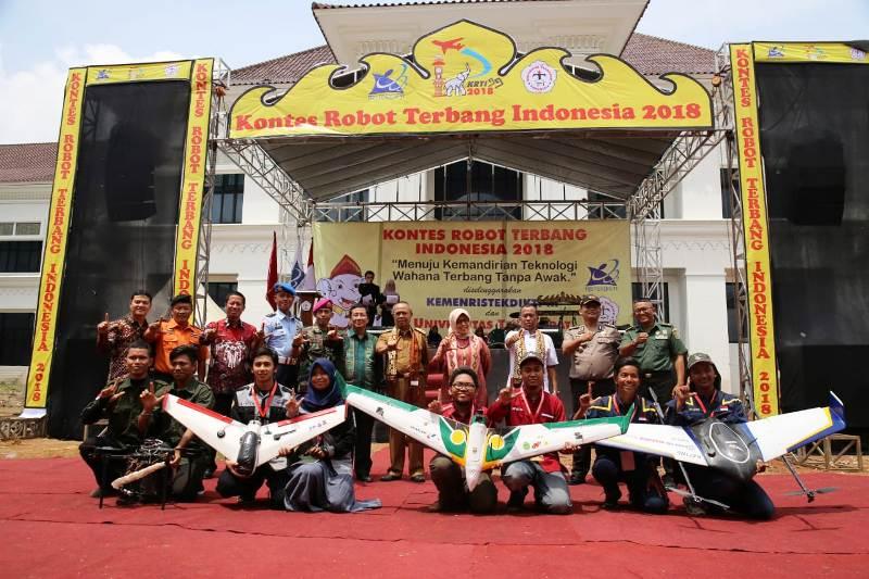 terselenggaranya Kontes Robot Terbang Indonesia (KRTI) 2018, di Kota Baru, Lampung Selatan, Selasa (6/11/18).