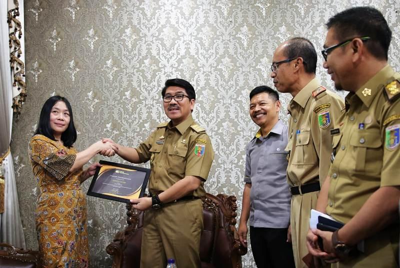 Pemerintah Provinsi (Pemprov) Lampung meraih penghargaan Paritrama dari Badan Penyelenggara Jaminan Sosial (BPJS) Ketenagakerjaan.