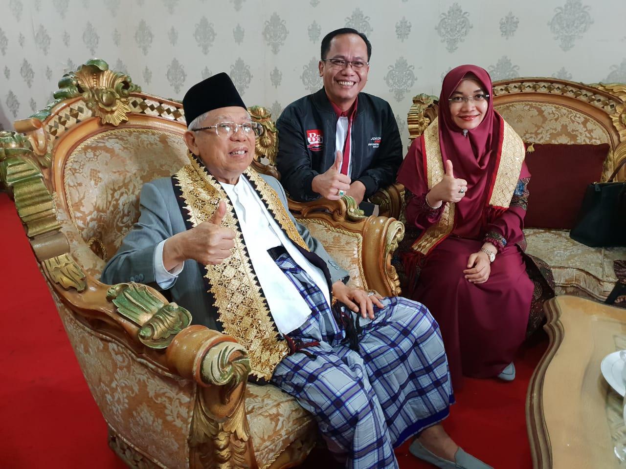 Calon wakil presiden (cawapres) pasangan Jokowi, yang juga Ketua Umum Majelis Ulama Indonesia (MUI) nonaktif, Prof. Dr. (HC) KH. Ma'ruf Amin, M.A., bertandang ke Bumi Ruwa Jurai.