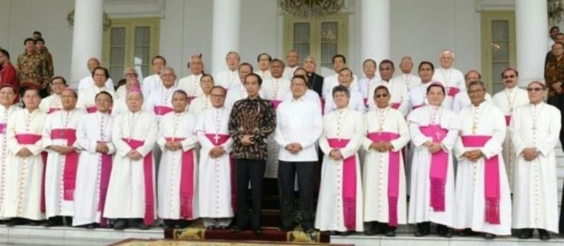 Para Uskup se-Indonesia saat mengunjungi Presiden Jokowi di Istana Bogor. Foto: Dokpen KWI