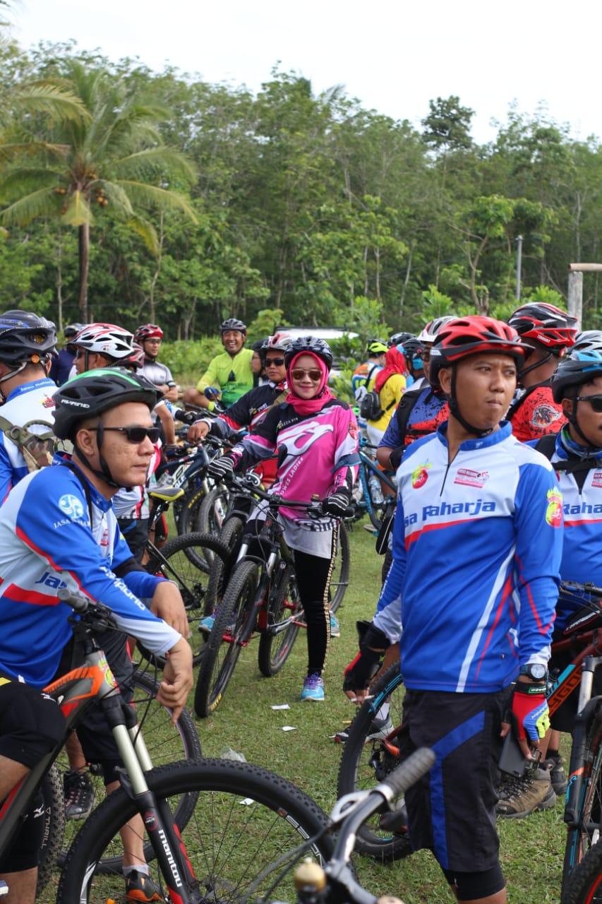 Peserta Lampung Bersepeda Seri 20 di Tanjung Bintang, Lampung Selatan, Minggu 16 Desember 2018.