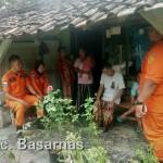 Basarnas Evakuasi WNA Asal Malaysia Korban Tsunami di Kalianda
