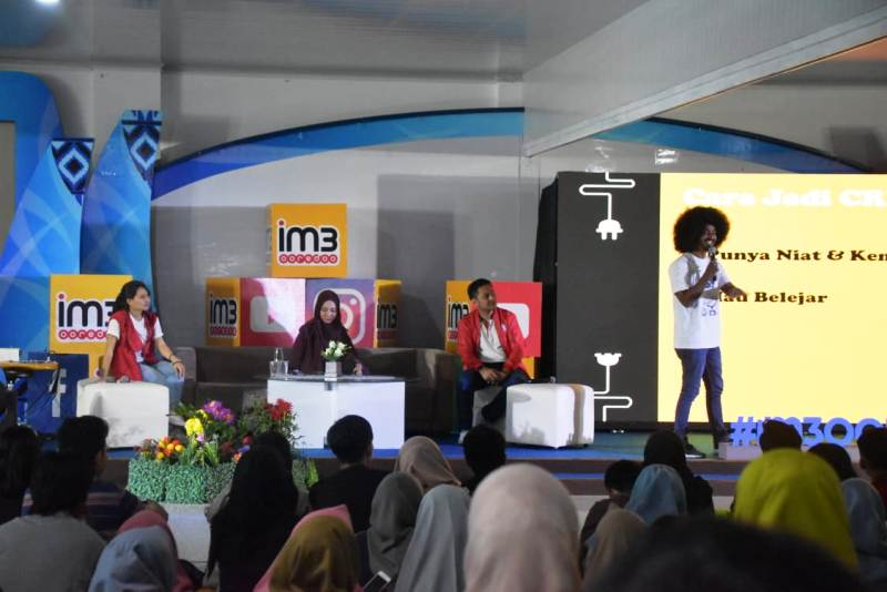Ratusan mahasiswa Institut Informatika dan Bisnis (IIB) Darmajaya antusias mengikuti Workshop Digitalk Unlimited Generation di Aula Rektorat Kampus IIB Darmajaya, Rabu (12/12).