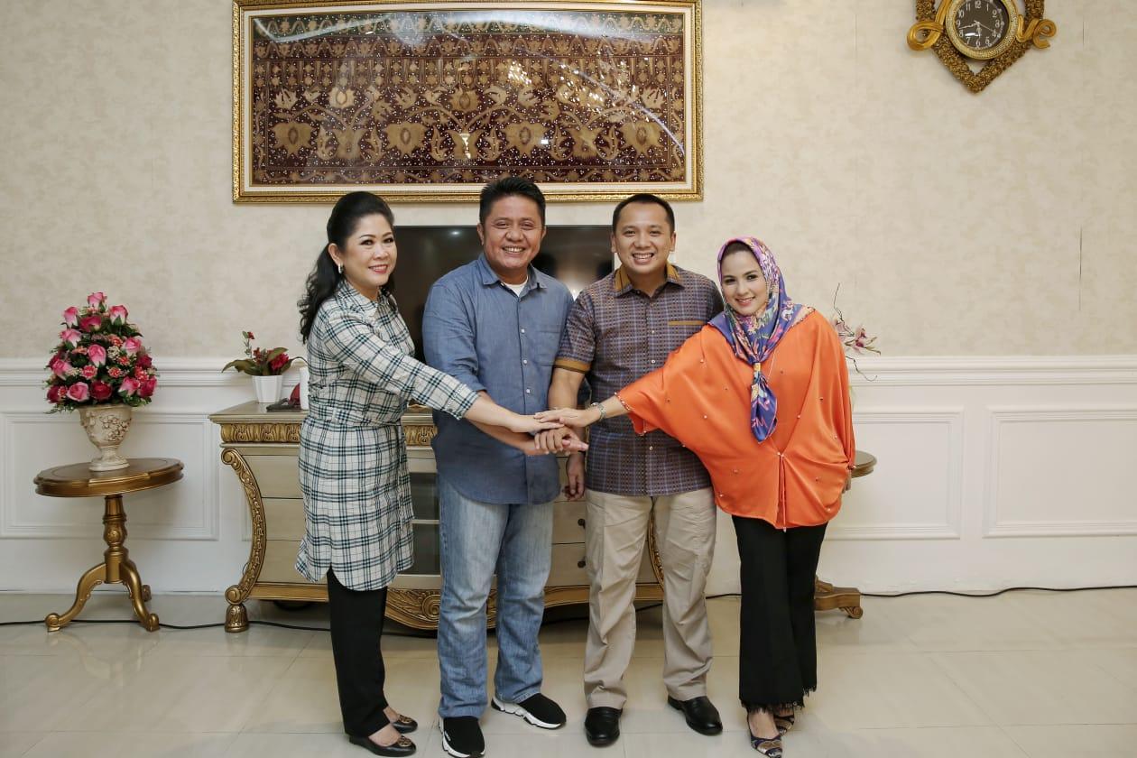 Gubernur Sumatera Selatan Herman Deru bersama Gubernur Lampung Muhammad Ridho Ficardo.