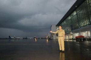 Gubernur Lampung M. Ridho Ficardo saat berada di Bandara Radin Inten II Lampung Selatan.