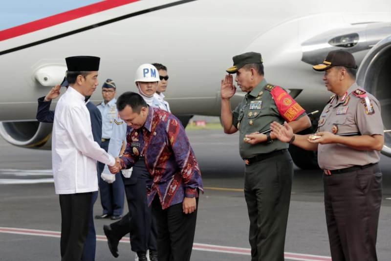 Gubernur Ridho Sambut Hangat Presiden Jokowi dalam Rangka Silaknas dan Milad ICMI ke-28.