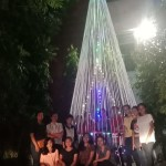 Mahasiswa Gentiaras Bandar Lampung Buat Pohon Natal dari Tali Rafiah