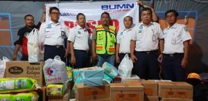 Penyerahan bantuan diberikan oleh Manager SDM, Mohamad Soleh mewakili Managemen PT KAI Divre IV Tanjungkarang pada Senin 24 Desember 2018. Bantuan langsung diterima oleh Firdsus B Fadli dari PT BA, koordinator bantuan sekaligus juga sebagai penanggung jawab operasi siaga bencana tsunami Kalianda, Lampung Selatan.
