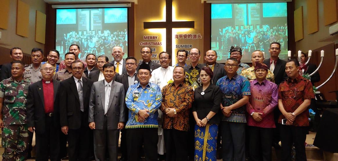 Panitia Perayaan Natal Oikoumene Provinsi Lampung tahun 2018 bersama forkopimda di Gereja Kristen Tritunggal, Teluk Betung Bandar Lampung pada Jumat, 28 Desember 2018.