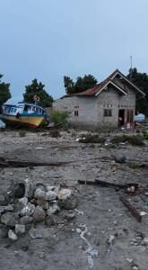Kondisi Pulau Sebesi Lampung Selatan pasca tsunami. Foto : Facebook Subagio Wibisono Raharjo